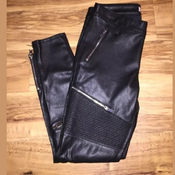 bbc5f227 Zara Woman Faux Leather Biker Zipper Pants. M_5a52b0229d20f040a0001156